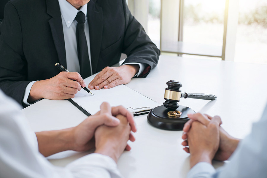 Couple meeting a family court Sydney specialist